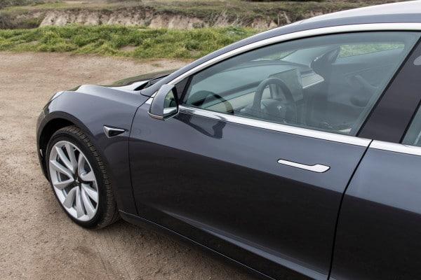Tesla adds autonomous parking mode to Model 3 - Tech Snip